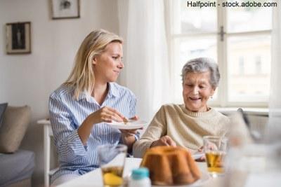 Erbschaftssteuer sparen: Pflegefreibetrag bei persönlicher Pflege hilfsbedürftiger Eltern