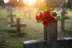 Kosten für die Grabpflege kürzen Pflichtteilsanspruch nicht